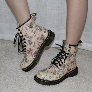 DR.MARTENS 30mm Floral Printed Core Leather Boots